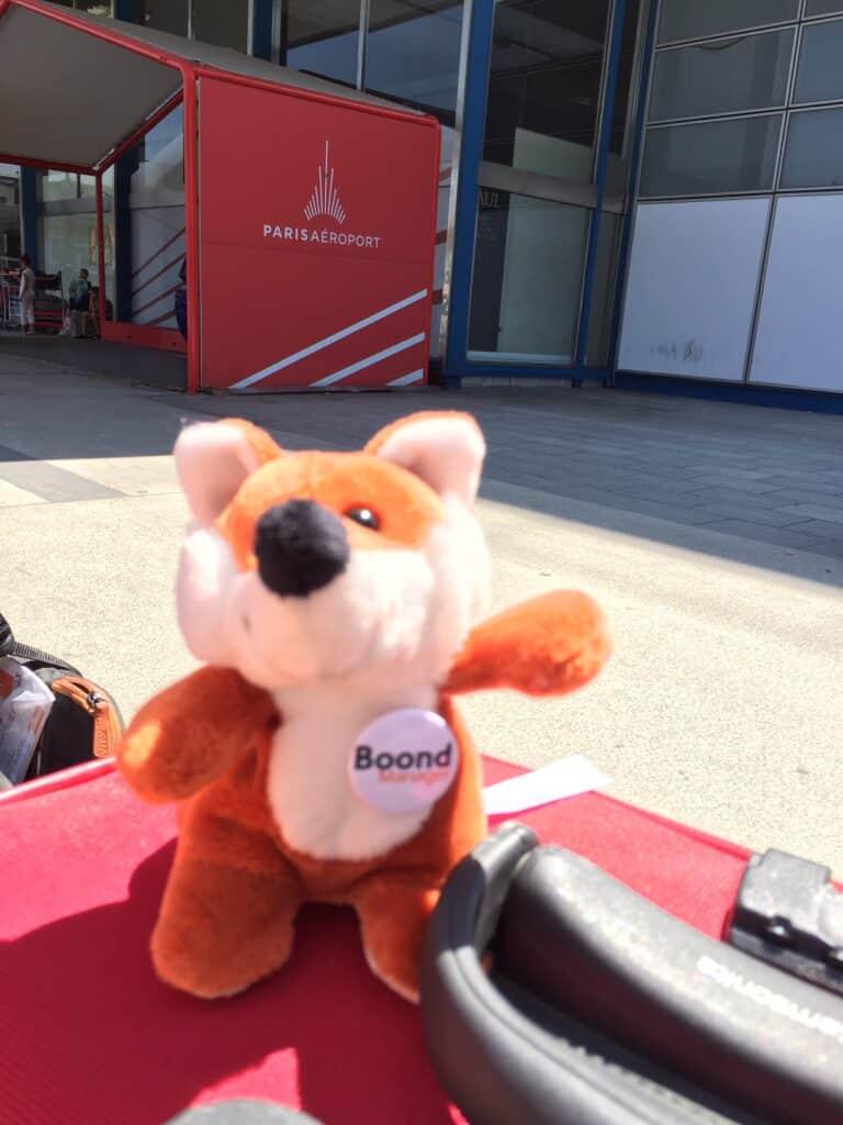 James Boond à l'aéroport de Paris Charles de Gaulle